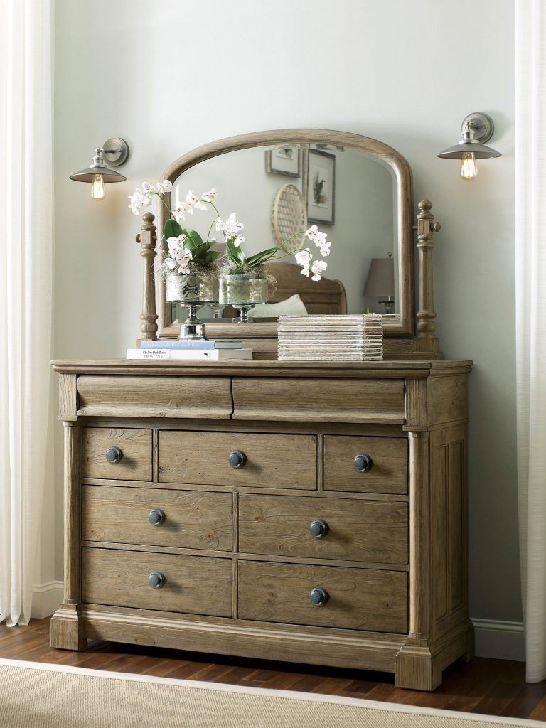 Chattanooga Bedroom Furniture: Tips for Decorating a Small Bedroom 5