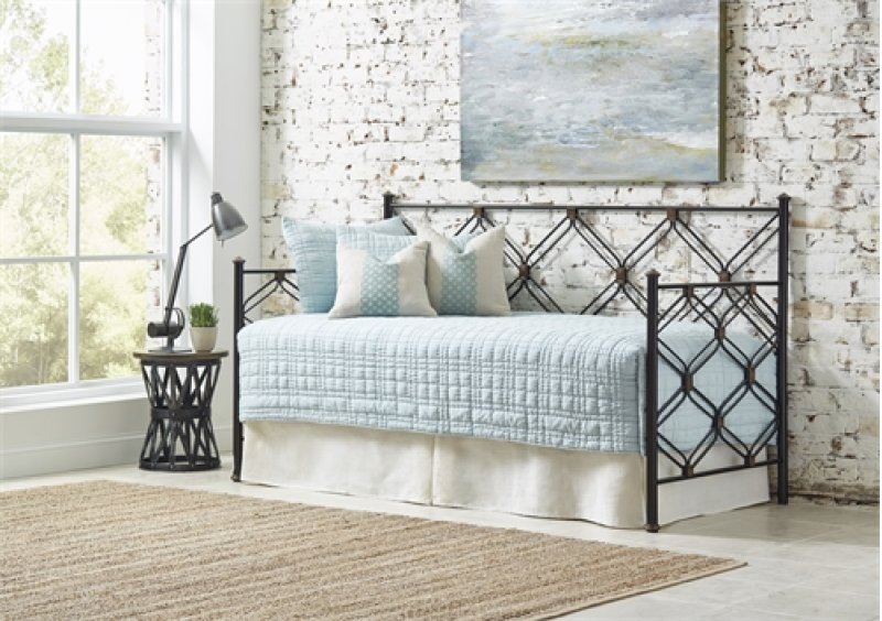 Ways to Enhance a Space with your Chattanooga Bedroom Furniture for Guests