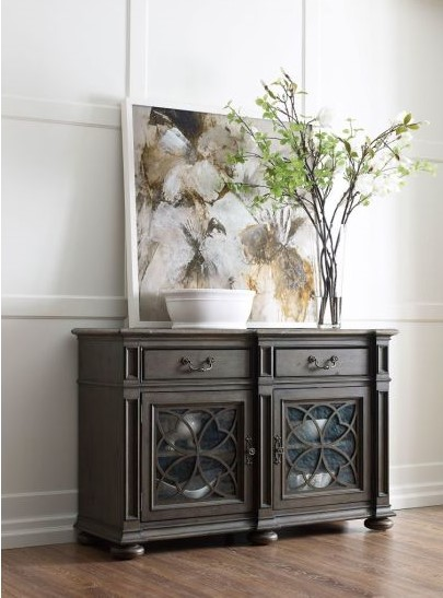 Add style to your Chattanooga dining room with fewer and larger pieces for a modern look and feel.